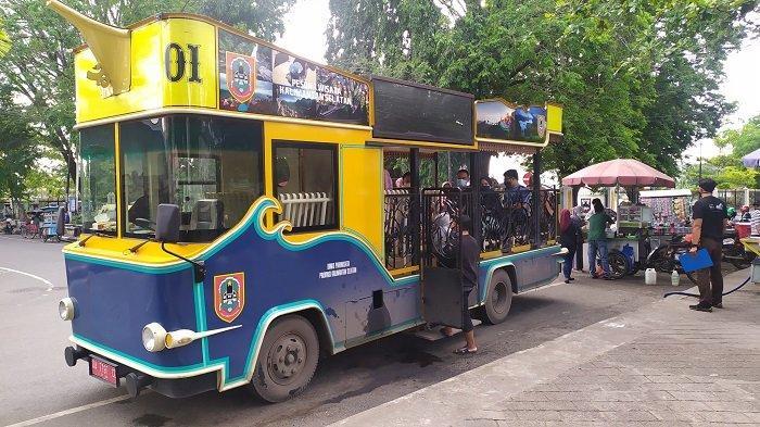 Wisata Kalsel : Hanya Dengan Rp 10 Ribu, Bisa Keliling Kota Banjarmasin Naik Bus Wisata Bajajalanan