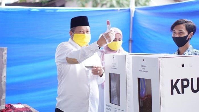 Pilkada Banjarbaru 2020, Gusti Iskandar Menang di TPS-nya, Denny Ungguli Paman Birin