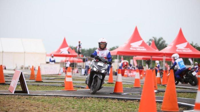 Edukasi Safety Riding, Tips Cari Aman Berkendara, 3-4 Detik Jarak dengan Sepeda Motor Lain