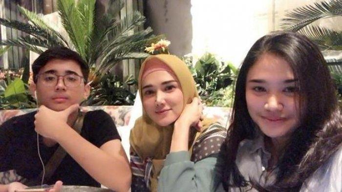 Lihat Foto Daffi Anak Tiri Ahmad Dhani Wisuda Diposting Mulan Jameela, Ini Reaksi Ayah Kandungnya