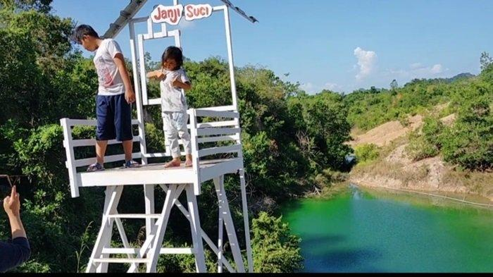 Wisata Danau Biru Desa Sungai Tiung Kecamatan Cempaka Kota Banjarbaru
