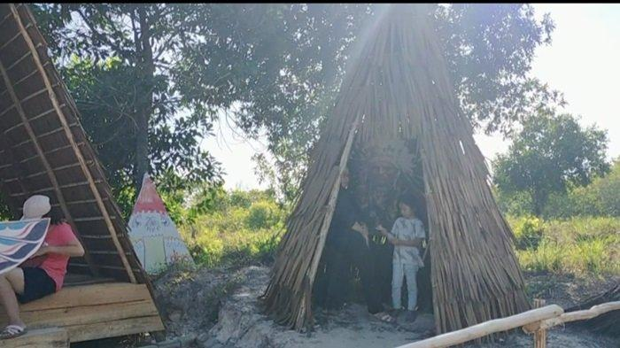 Berbagai properti ala zaman koboi dan suku indian
