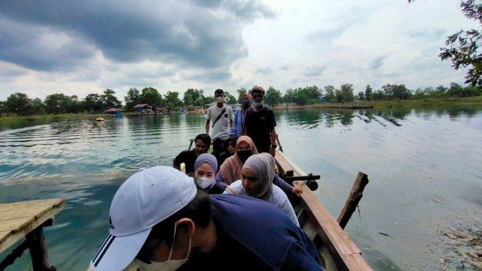 Wisata Kalsel, Jernihnya Air Danau Seran Memudahkan Pengunjung Melihat Keindahannya
