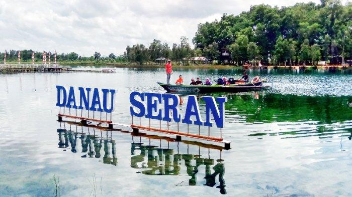Ini Fakta Unik Danau Seran, Pulau Asmara Hingga Air Danau Berubah Warna