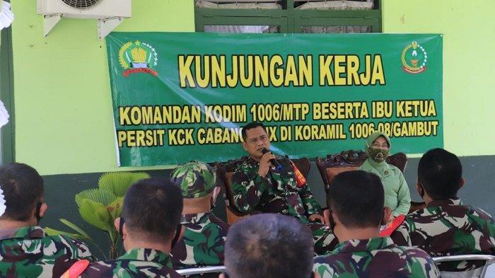 Safari Keliling ke Gambut, Dandim Martapura Ingatkan Anggota Harus Netral saat Pilkades ataupun PSU