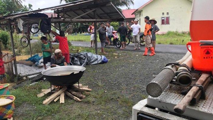 Banjir di Binuang Kabupaten Tapin, Anak-anak dan Wanita Hamil dan Usia Renta Prioritas Evakuasi