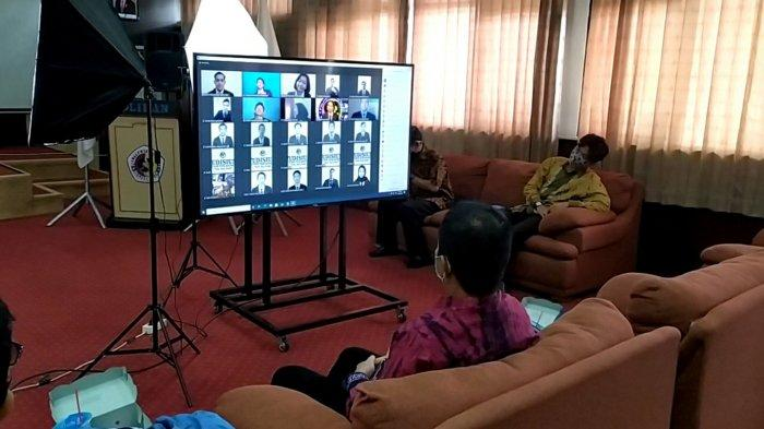 Digelar Daring dan Bertahap, Hari Pertama Yudisium XXI Poliban Diikuti 157 Peserta