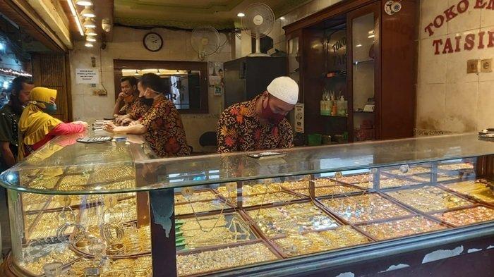 Kasus Covid-19 Meningkat, Pedagang Emas Sentra Antasari Banjarmasin Akui Daya Beli Emas Menurun