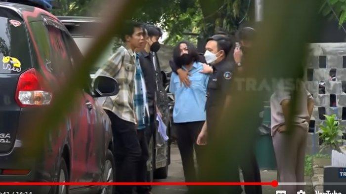 Mobil Dede Sunandar Dirusak Fans, Disaksikan Denny Cagur dan Mpok Alpa Terungkap Fakta Ini