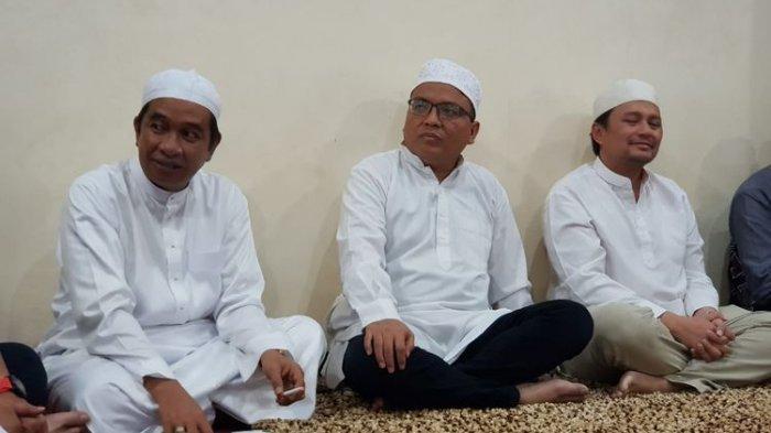 Setelah ke Nasdem dan Demokrat, Denny Indrayana Ambil Formulir Bakal Calon Gubernur di PKS Kalsel