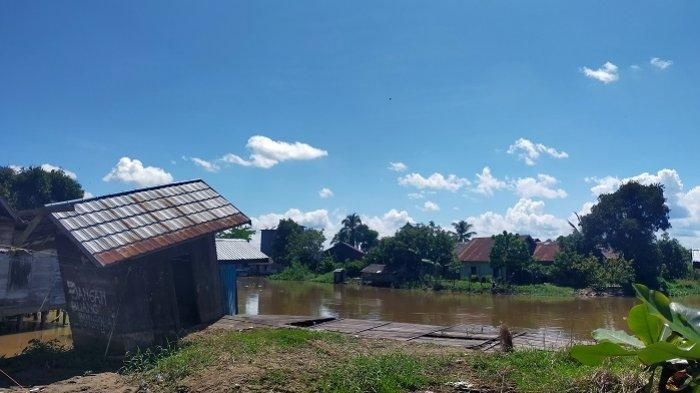 Tak Lagi Digunakan, Setiap Pagi Dermaga di Desa Telaga Silaba HSU Kini Jadi Pasar Ikan