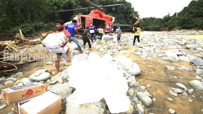 Tiga Helikopter Antar Bantuan untuk Warga Terdampak Banjir di Pedalaman Kabupaten HST