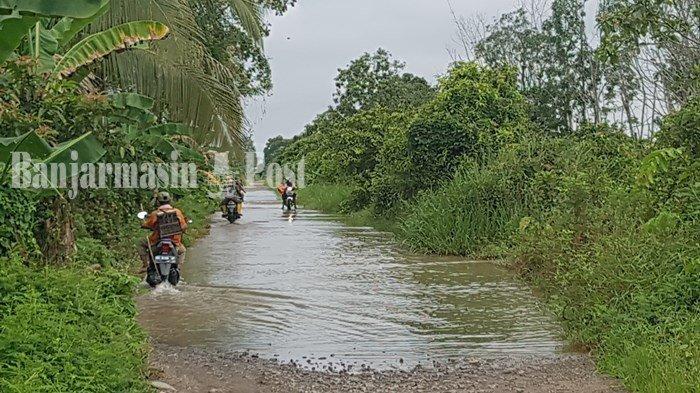 Akses Jalan Antardesa di Kabupaten Tapin Terendam Setiap Tahun, Begini Penampakannya