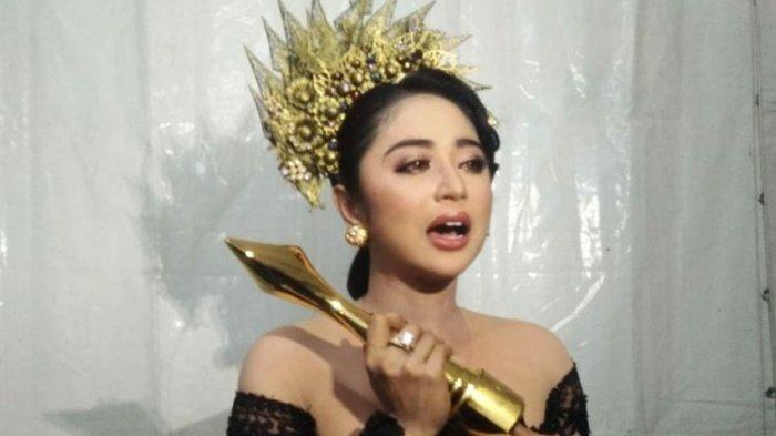 Disumpahi Kena Virus Corona, Dewi Perssik Marahi Fans Kontestan LIDA 2020, Gilang Dirga Bereaksi
