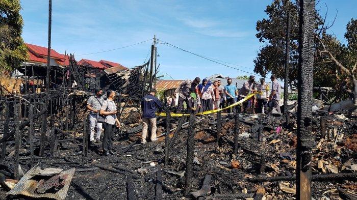 Kebakaran Kalsel di Pelaihari, Petugas Langsung Pajang Garis Polisi Amankan Lokasi