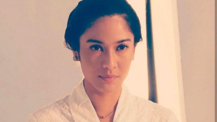 Dian Sastro saat memerankan RA Kartini.