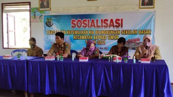 Disdukcapil Kapuas Sosialisasikan Percepatan Kepemilikan KIA di Kecamatan Kapuas Timur