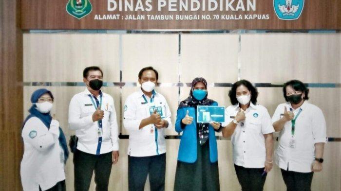 Kadisdik Kapuas Apresiasi Guru PAUD Berprestasi Tingkat Nasional