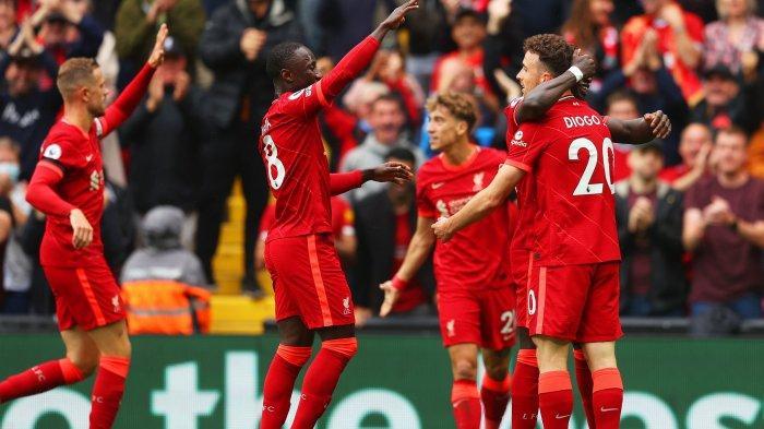 Para pemain Liverpool merayakan gol yang dicetak Diogo Jota pada pertandingan Liverpool vs Burnley di pekan kedua Liga Inggris Premier League, Sabtu (21/8/2021) malam WIB