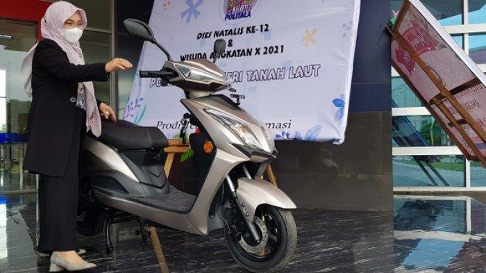 Kembangkan Jurusan Otomotif, Politala Buat Kerjasama dengan Produsen Motor Listrik Jakarta