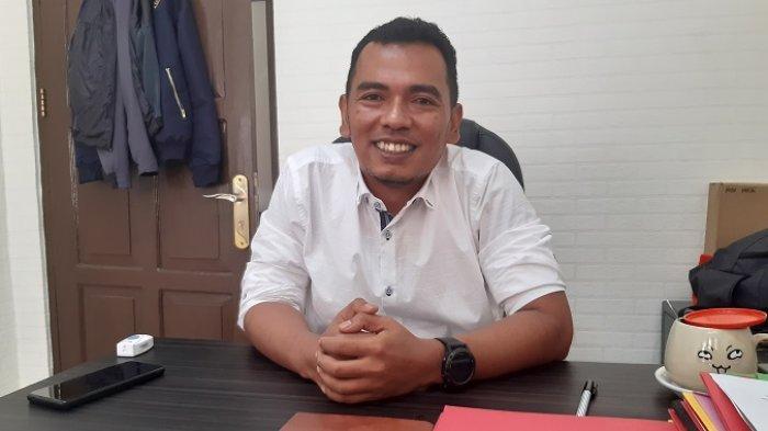 Plh Kasubdit 2 Ditresnarkoba Polda Kalsel, AKBP Meilki Bharata membenarkan pengungkapan penyalahgunaan narkoba di Tanahlaut yang salah satu dari empat pelaku yang ditangkap adalah oknum anggota DPRD Tanahlaut, berinial S (25).