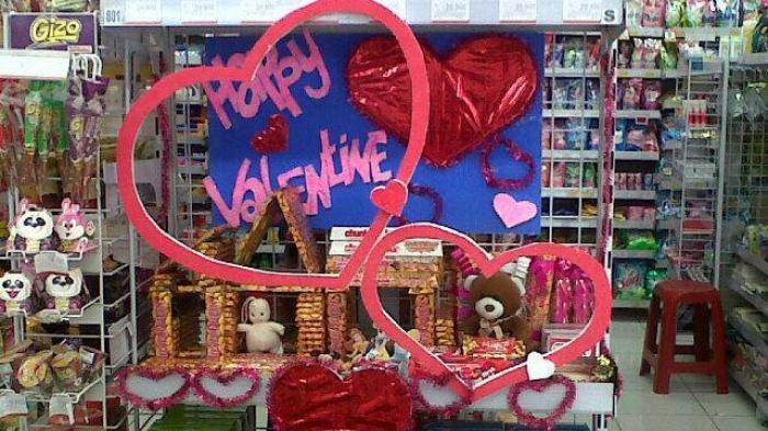 Valentine Day 2018 - Sejarah Hari Valentine, Coklat, Mawar Merah Sampai Cupid Kasih Sayang, Kelam!