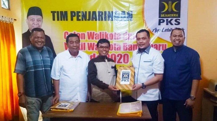 Sempat Ada Protes Calon Lain, PKS Banjarbaru Tetap Terima Penyerahan Berkas Aditya-Iwansyah