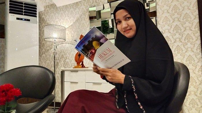 Dosen dan Aktivis Sosial Banjarmasin Ini Terus Aktif Menulis, Hasilkan Buku Tentang Ketenagakerjaan