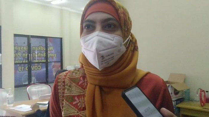 Dokter Penyakit Dalam Ini Jadi Penyuntik Pertama Vaksin Covid-19 di Kabupaten Tabalong