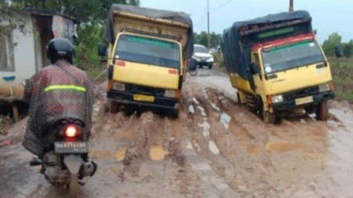 Perbaikan Mandek,DPRD Kalsel Minta Pemkab Tapin Percepat Pengaspalan Jalan di Sei Puting