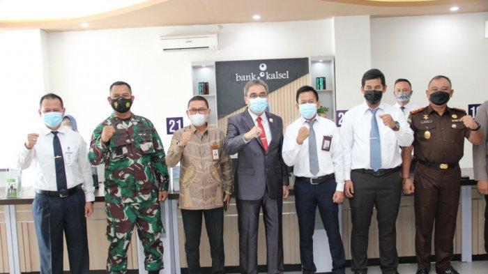 Dukung Mall Pelayanan Publik, Bank Kalsel Teken MoU dengan Pemko Banjarbaru