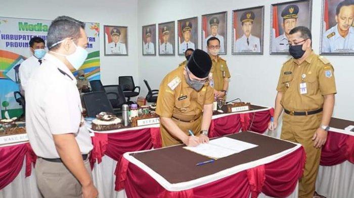 Bupati HSS Luncurkan Pelayanan e-BPHTB, Pangkas Birokrasi Pelayanan Pajak