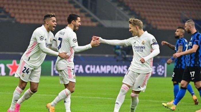 Eden Hazard (kedua dari kiri) melakukan selebrasi usai mencetak gol penalti pada laga Inter vs Real Madrid, di Stadion Giuseppe Meazza, Milan, Italia, Rabu (25/11/2020) atau Kamis dini hari WIB.