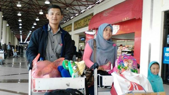 Naik Lion Air, Anggota TNI Ini Kaget Barangnya Tertukar di Bandara Tjilik Riwut Palangkaraya