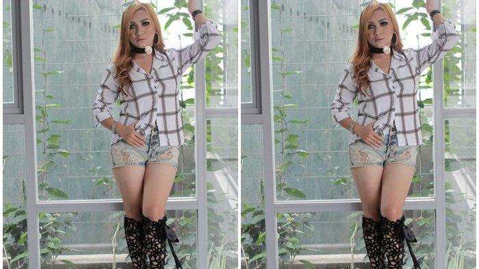 Eka Rose Full Menghibur di Hotel Roditha Banjarbaru, Nyanyikan Lagu Berbagai Genre