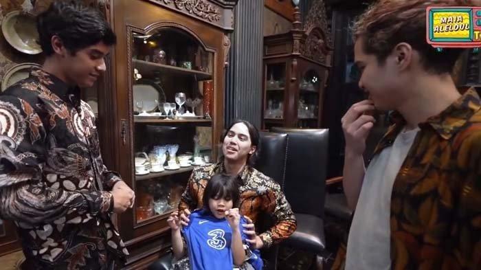 Sindir Perlakuan Al dan Dul pada Anak Mulan Jameela & Ahmad Dhani, El Rumi Pamer Kado untuk Ali