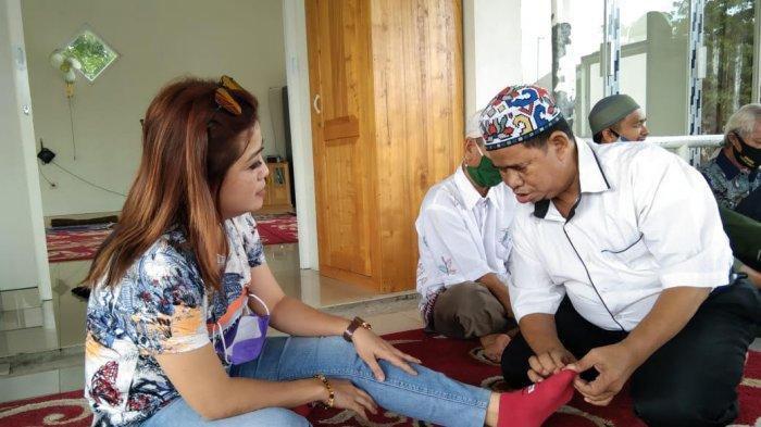 Anggota DPRD Banjarbaru Berbagi Sembako dan Bersilaturahmi Dengan Kelompok Tuna Netra