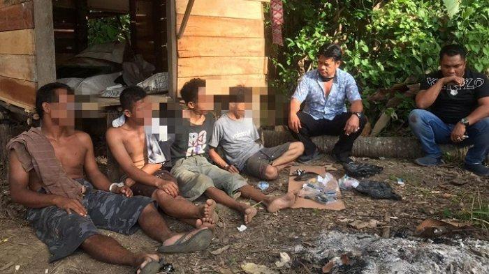 Narkoba Kalsel : Jual Sabu di Pondok, 4 Pengedar di Pamangkih HSTGagal Kabur Saat Digerebek Polisi