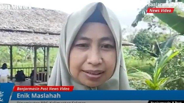 Enik Maslahah, Dinamisator Badan Restorasi Gambut Kalimantan Selatan.