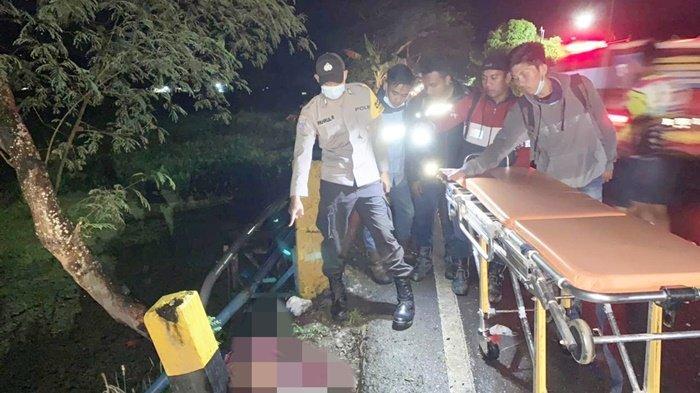 Pengendara Tewas Setelah Bertabrakan Hingga Terbentur Patok Beton di Kabupaten HSS