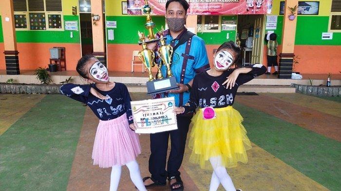 Juara Pantomim se Kota Banjarmasin, Farah dan Indira Berlomba di Tingkat Kalsel