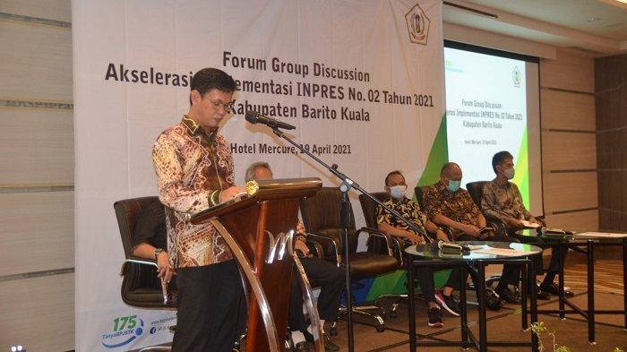 H Rahmadian Noor, Wakil Bupati Batola dalam acara FGD Implementasi Inpres Nomor 2 Tahun 2021 di Hotel Mercure Banjarmasin.