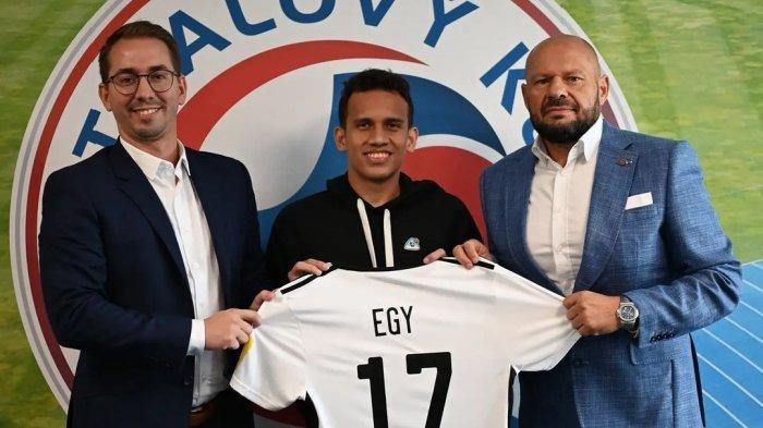 Egy Maulana Vikri diperkenalkan oleh FK Senica, klub asal Liga Slovakia