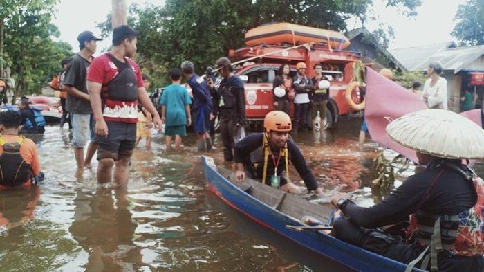 Banjir Kalsel, Forum Balapaks Kalsel Jalankan Misi Kemanusiaan Pascabanjir di Sungai Tabuk