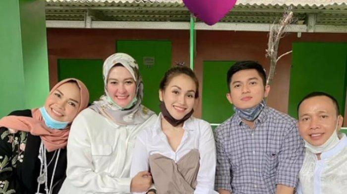 Pertemuan WO Pernikahan Ayu Ting Ting-Adit dengan Umi Kalsum dan Rozak Disorot, Bilqis Beri Kejutan