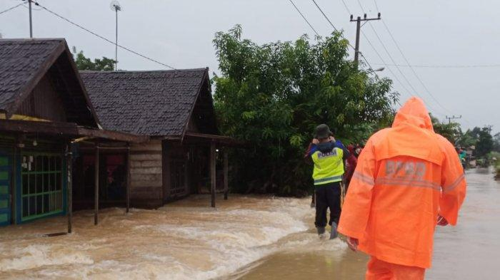 BREAKING NEWS - Hujan Deras, Kawasan Cempaka Kota Banjarbaru Kembali Kebanjiran