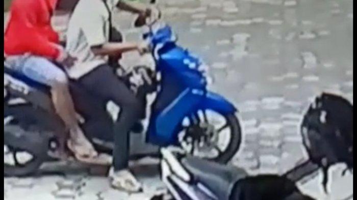 Terekam CCTV, Dua Pencuri Helm Beraksi di Puskesmas Banjarbaru Selatan, Ini Penjelasan Polisi
