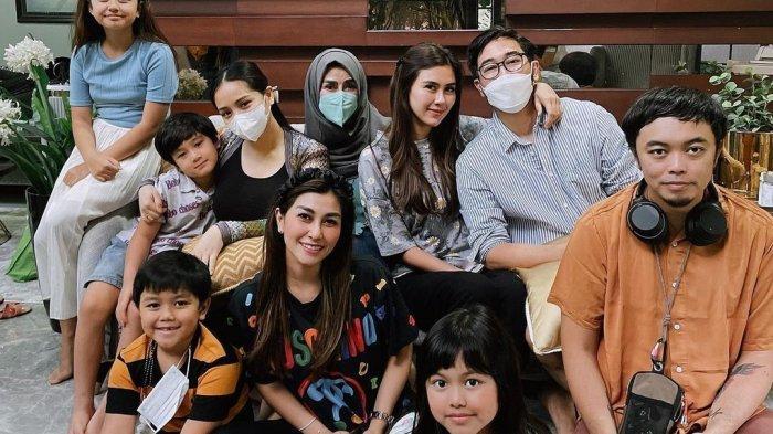 Kejanggalan Foto Keluarga Besar Raffi Ahmad dan Nagita Saat Iduladha, Nisya Ungkap Fakta Menyentuh