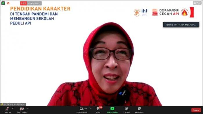 Founder IHF – Ibu Ratna Megawangi memberikan kata sambutan