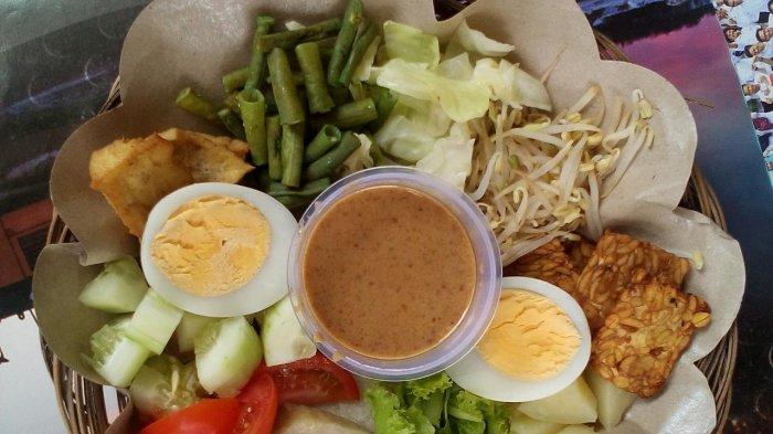 Menu Makanan Gado-gado Ayomi Surabaya